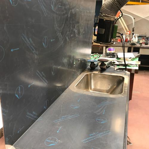 Her har Star Industri bygget et rustfrit stål køkken tilpasset kundes ønsker og mål