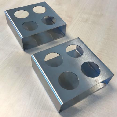 Holder designet hos Star industri med Inventor, udført i rustfrit stål skåret på Trumpf tlf 3000 turbo laser og bukket på vores kantpresse der kan bukke op til 4 meter
