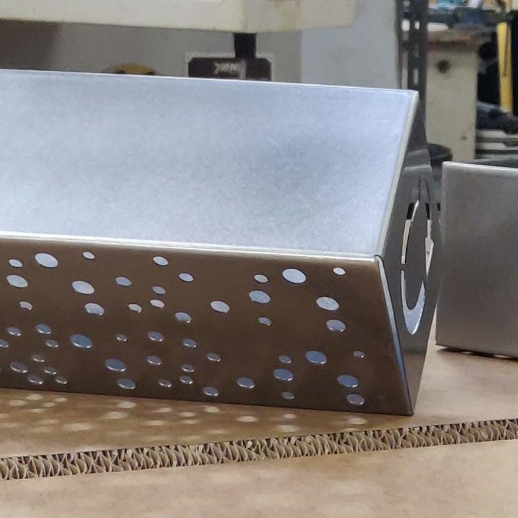 Emne designet af Star Industri lavet i rustfrit stål med Inventor Laserskæring Buk Tig svejs Fladdet